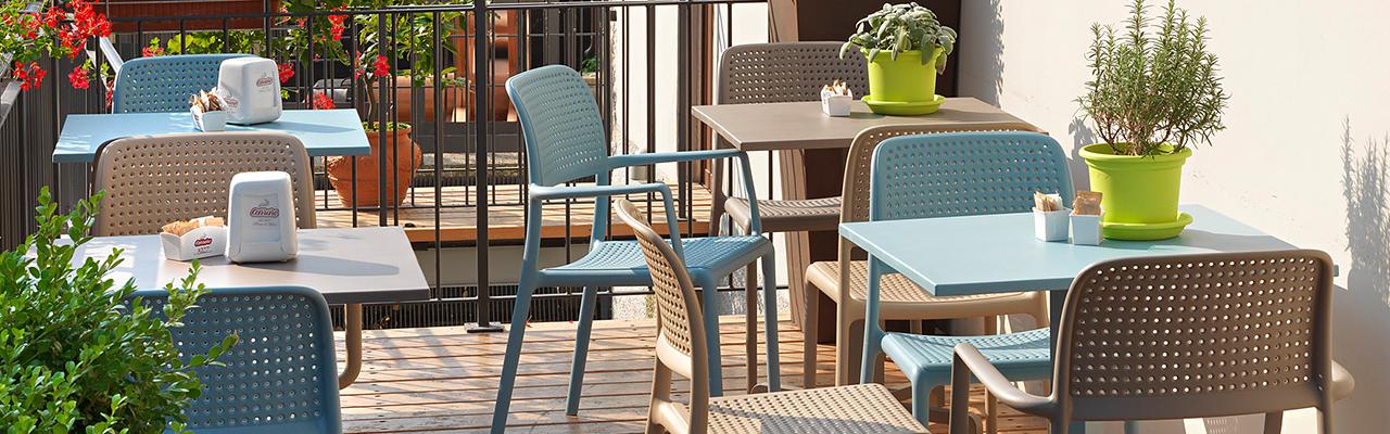 Krzesła NARDI ze stołami
